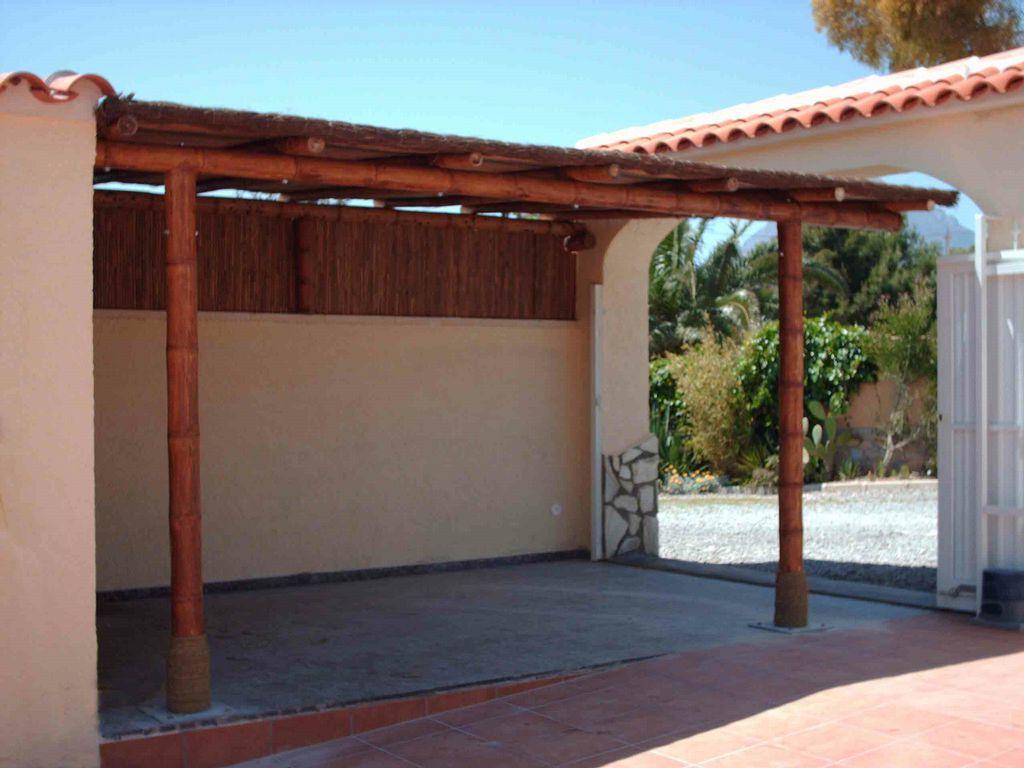 Carpot coche de bambu for Plafones de techo y pared