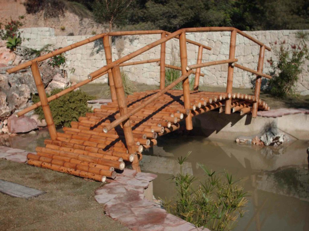 Puente de bambu - Jardin de bambu talavera ...